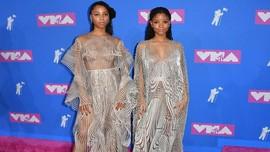 FOTO: Kilau Perak Futuristik di MTV Video Music Awards 2018