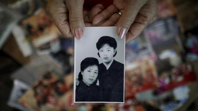 Reuni keluarga Korea Selatan dan Korea Utara yang merupakan bagian dari Deklarasi Panmunjom mempertemukan keluarga yang terpisah akibat perang Korea selama 68 tahun.(REUTERS/Kim Hong-Ji)