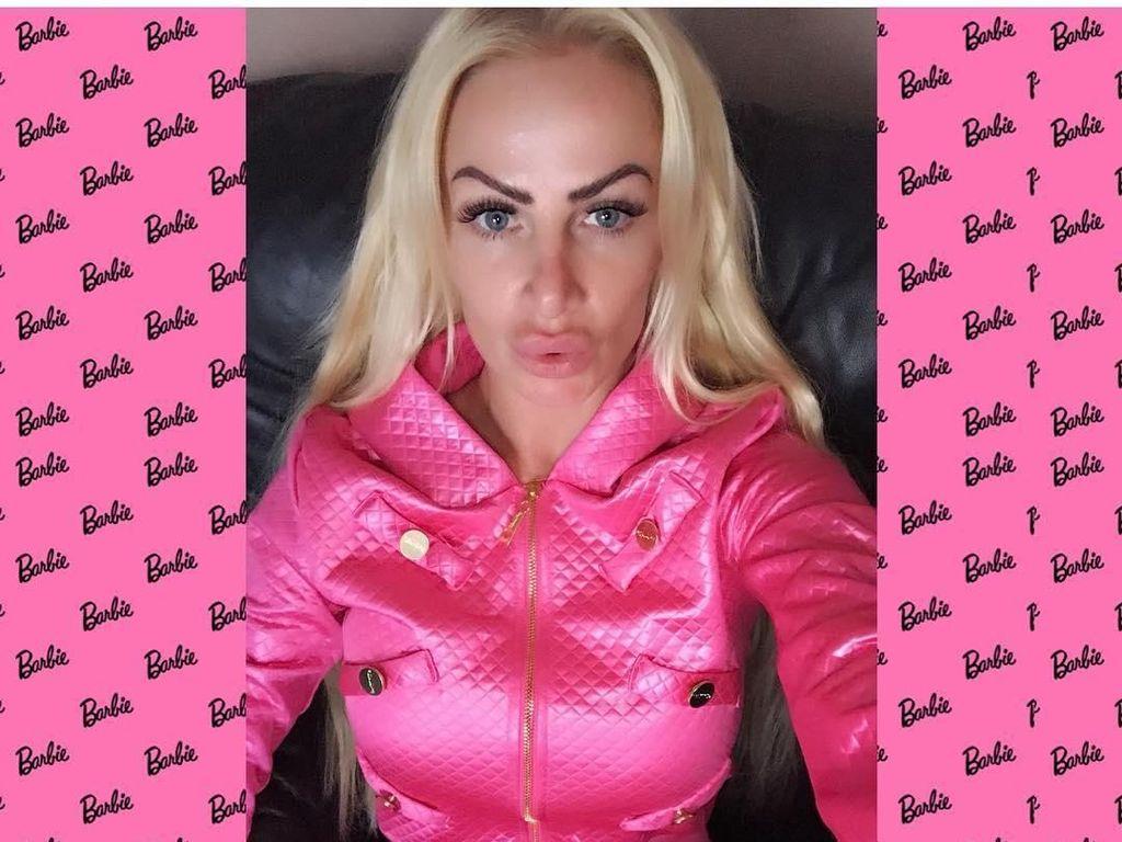 Wanita 'Barbie' Ini Berkali-kali Oplas Tapi Belum Puas, Begini Penampilannya