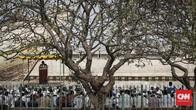 FOTO: Kekhusyukan Salat Iduladha di Pelabuhan Sunda Kelapa