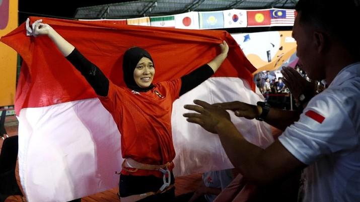 Nama Indonesia kembali harum di kancah internasional berkat atlet panjat tebing Aries Susanti Rahayu.