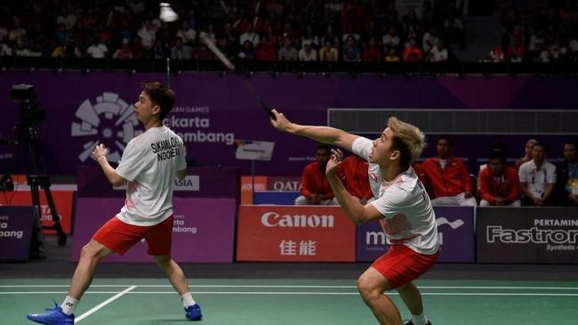 Indonesia kemudian menyamakan kedudukan 1-1 melalui ganda putra Kevin Sanjaya/Marcus Gideon yang menang atas Li Junhui/Liu Yuchen di pertandingan kedua. (ANTARA/INASGOC/Puspa Perwitasari/tom/18)