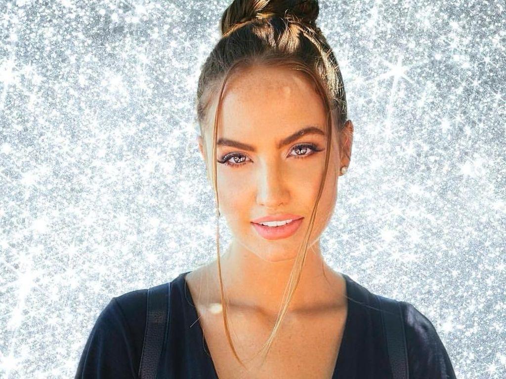 Potret Haley, Model yang Keseksiannya Viral karena Bikin Gagal Fokus