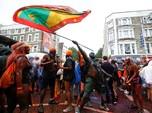Ribuan Orang Warnai Tubuh dan Padati Jalanan London
