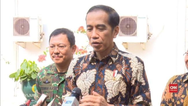 Jokowi Cabut Larangan Rapat di Hotel dari Mendagri
