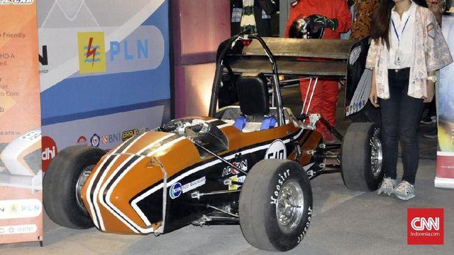 ITS Rilis Dua Mobil Balap untuk Berlaga di Jepang