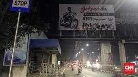 Jubir Jokowi Bantah Baliho #2019TetapJokowi Dipasang Timses