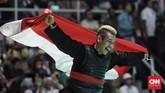 Inilah Hanifan Yudani Kusumah, pesilatIndonesia pemenang medali emas Asian Games 2018 yang menjadi faktor Jokowi dan Prabowo terlibat dalam pelukan hangat di Padepokan Pencak Silat Taman Mini Indonesia Indah (TMII), Jakarta, Rabu (29/8). (CNN Indonesia/ Hesti Rika)