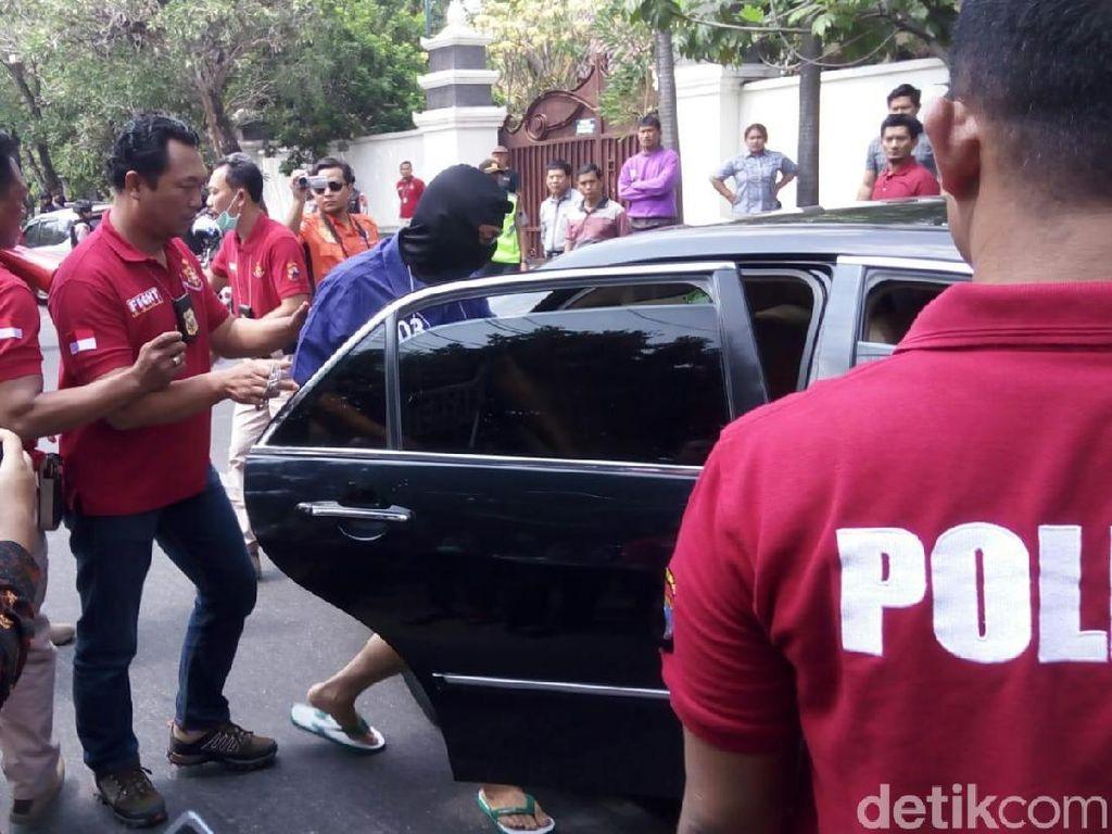 Teman Iwan lalu keluar dari mobil dan memukul Eko. Foto: Bayu Ardi Isnanto/detikcom