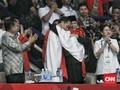 Hanifan Ungkap Alasan Peluk Jokowi dan Prabowo Bersamaan