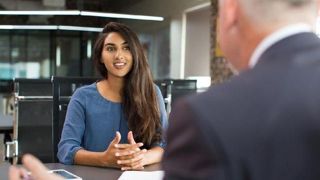 Cara <i>Fresh Graduate</i> Tetap Tenang Saat Wawancara Kerja