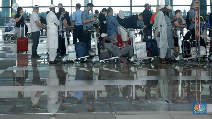 Hal ini merespons terdampaknya sektor pariwisata maupun perhotelan akibat dari kebijakan pemerintah yang melarang penerbangan dari dan ke China.
