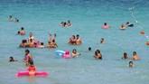 Sebuah pemandangan dari udara di pantai Ilica. Ilica aalah salah satu kawsan yang menjadi lokasi favorit para wisatawan dari berbagai penjuru dunia.