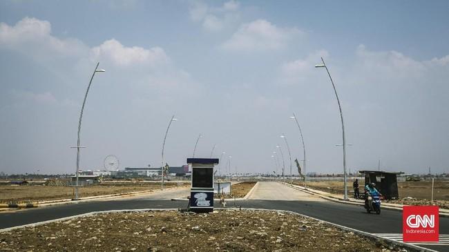 Pengerjaan proyek Waduk Rawa Rorotan dilakukan setelah terbit surat berisi pemberitahuan pelaksanaan pembangunan wadukatausitu kepada Wali Kota Jakarta Timur pada 24 Maret 2016. Pada 29 Agustus 2017 terbit surat laporan penyegelan tanah aset Pemprov DKI untuk pembangunan Waduk Rorotan. (CNNIndonesia/Adhi Wicaksono)