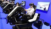 Sementara Acer akan memamerkan perangkat Virtual Reality (VR) diIFA 2018. Perangkat VR Acer yang dinamai Mixed Reality akan menggabungkan antara Virtual Reality dengan Augmented Reality.