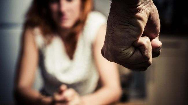 Polisi Inggris Usut Lima Remaja Penganiaya Pasangan Lesbian