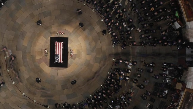 Namun acara ini tidak dihadiri oleh Presiden Donald Trump yang dilarang ikut sesuai dengan wasiat John McCain.(Morry Gash/POOL Via REUTERS)