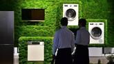 Mereka juga mencari mesin cuci dengan kapasitas yang lebih besar. Tren lainnya adalah perangkat elektronik ini nantinya bisa menjadi perangkat cerdas yang bisa dikendalikan dengan suara atau aplikasi.