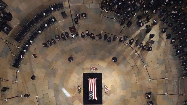 FOTO: Hormat Terakhir Amerika Serikat untuk John McCain