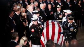 Bush dan Obama Beri Eulogi untuk John McCain