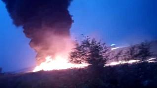 Pesawat Militer Pakistan Jatuh di Perumahan, 15 Orang Tewas
