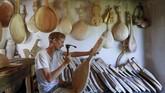 Musik tradisional Ukraina bernama dumas. Musik ini mengalun seperti balada dengan iringan alat musik sederhana seperti kobza.