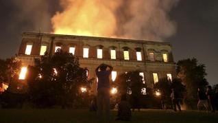 FOTO: Api Melalap Museum Nasional Brasil Berusia Dua Abad
