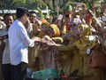 'Wajah Ganda' Jokowi Kerek Gaji PNS Jelang Pilpres