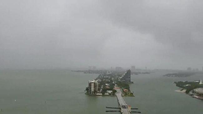 Badai Gordon Kian Melemah Setelah Landa Pantai Barat AS
