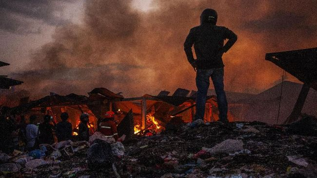 Pasar Gedebage Terbakar, Emil Minta Pengelola Tanggung Jawab