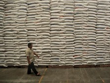 Operasi Pasar, Bulog Jual Beras Rp 8.100/Kg di Jawa