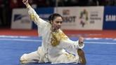 Atlet wushu Indonesia Lindswell Kwok yang meraih emas Asian Games 2018 di nomor taijijian dan taijiquan. (ANTARA FOTO/NASGOC/Ismar Patrizki/nak/18)