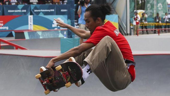 Pevi Permana, Sembunyikan Patah Tangan Demi Skate Board