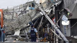 Topan Jebi Hantam Jepang, Enam Tewas dan Ratusan Luka