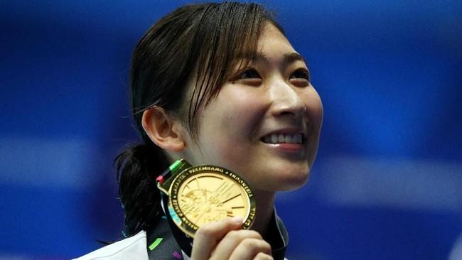 Atlet renang asal Jepang Rikako Ikee yang dinobatkan sebagai atlet terbaik Asian Games 2018 dengan meraih enam medali emas dan dua perak. (REUTERS/Athit Perawongmetha)