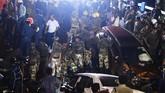 Saat ini pemerintah memprioritaskan untuk memberikan bantuan dan penyelamatan bagi para korban.(AFP PHOTO / Dibyangshu SARKAR)