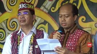 VIDEO: Keliru Soal Gawai Serentak, Sutopo Dihukum Adat Dayak