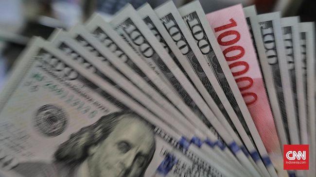 Masih Dibayangi The Fed, Rupiah Melemah Tipis Dekati Rp15.200