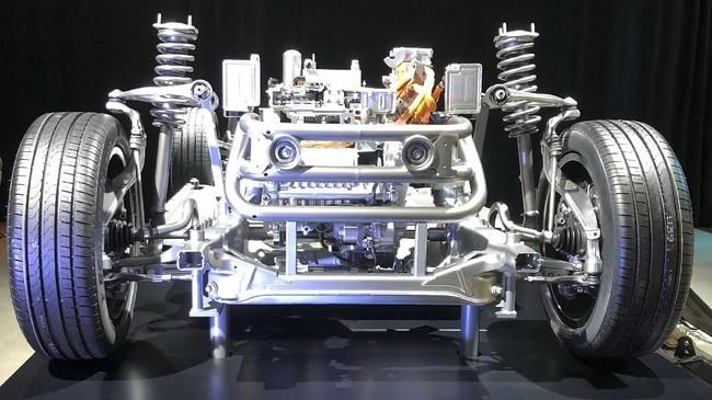 Untuk pasar mobil listrik kelas atas sebelumnya sudah diisi Tesla, tapi Mercedes yakin bisa merebut pasar. (REUTERS/Esha Vaish)
