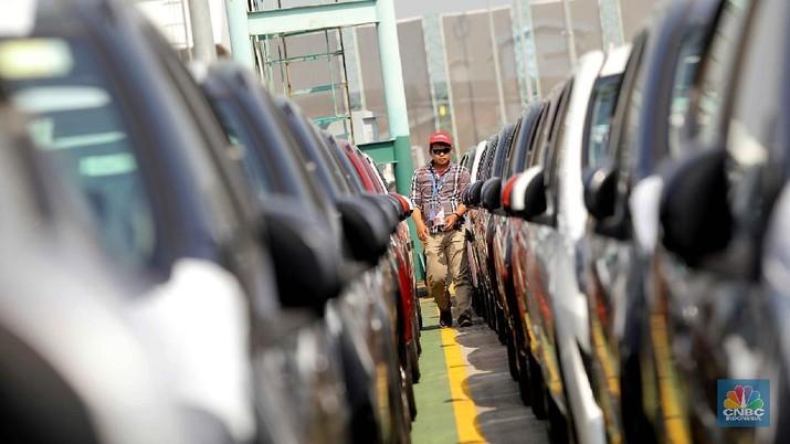 Penjualan mobil yang sedang dalam tren menurun bakal semakin parah karena ada pandemi virus corona (COVID-19)