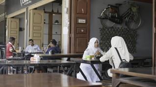 Perempuan di Lhokseumawe Dibatasi Bekerja Hingga Pukul 21.00