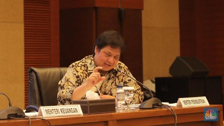 Menperin Airlangga janji berikan tax holiday untuk investor yang investasi di teluk Bintuni