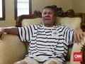 Usai Operasi Tumor, Benny Dolo Tetap Tonton Sepak Bola