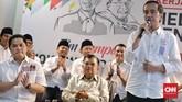Jokowi mengumumkan sendiri perihal penujukan Erick Thohir sebagai Ketua Tim Kampanye Nasional (TKN) dan Jusuf Kalla sebagai Ketua Dewan Pengarah TKN, Posko Cemara, Menteng, Jakarta Pusat, Jumat (7/9). (CNN Indonesia/Adhi Wicaksono)
