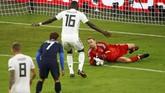 Kedua tim menurunkan kekuatan terbaik. Jerman memainkan Manuel Neuer, Jerome Boateng, dan Thomas Mueller. Prancis menurunkan Paul Pogba, KLylian Mbappe, dan Antoine Griezmann. (REUTERS/Wolfgang Rattay)