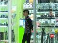 VIDEO: Dolar AS Kuat dari Rupiah, Harga Elektronik Melambung