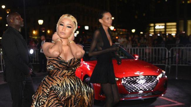 Nicki Minaj Sebut Cardi B Butuh Bantuan