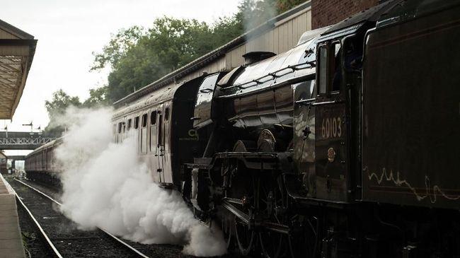 Melintasi India dengan Kereta Mewah