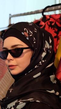 Desainer Indonesia Vivi Zubedi Eksis di New York Fashion Week Ke-3 Kalinya
