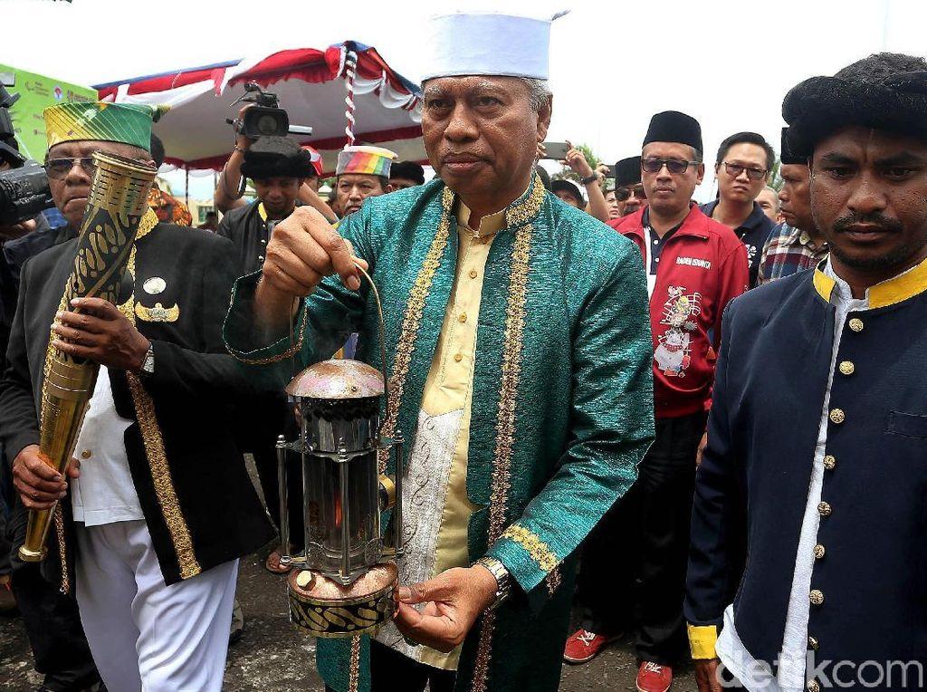 Api obor dan lentera Asian Para Games 2018 akan diarak di Hari Olahraga Nasional (Haornas) yang akan digelar di Stadion Gelora Kie Raha esok hari, Minggu (9/9/2018).
